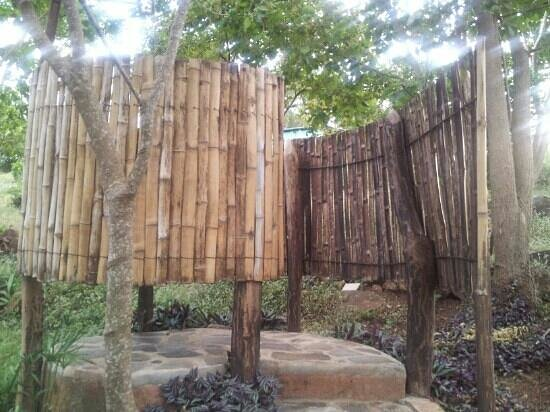 Temazcal Omeyocan: One of the lovely bamboo showers.