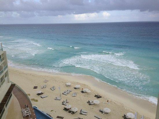 Sun Palace : beach view from balcony
