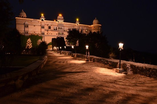 Karni Fort Bambora : Night View of Fort