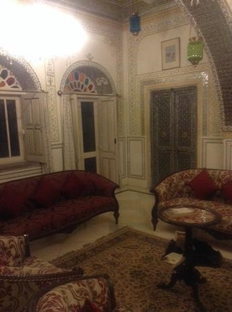 Alsisar Haveli: loung area
