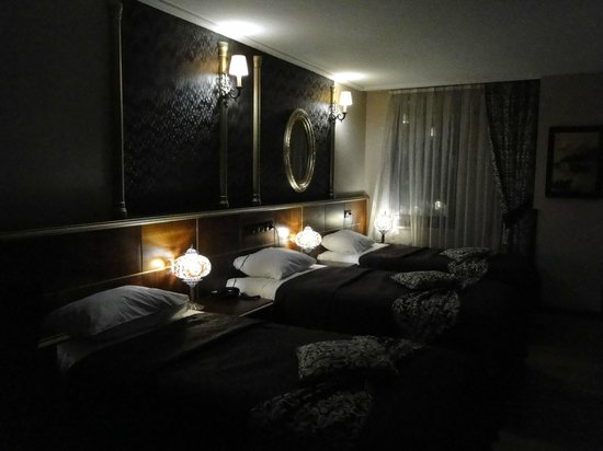 Sky Kamer Boutique Hotel: triple room -