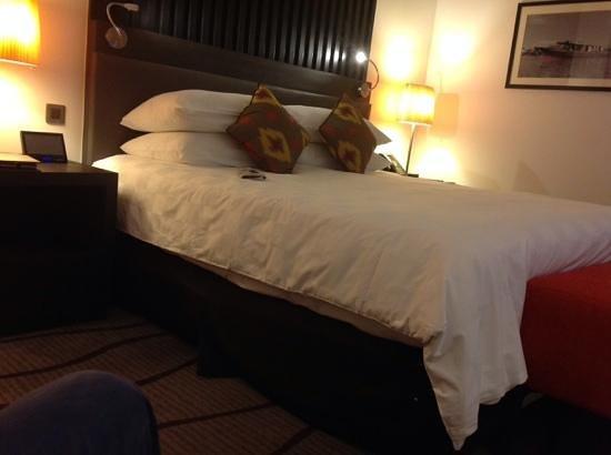 Sama-Sama Hotel KL International Airport: the bed