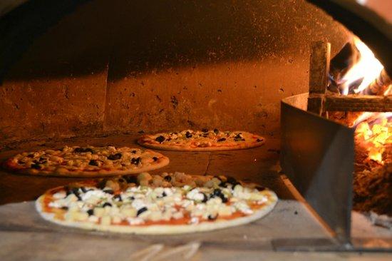 Pizzeria Pera : Getting ready...