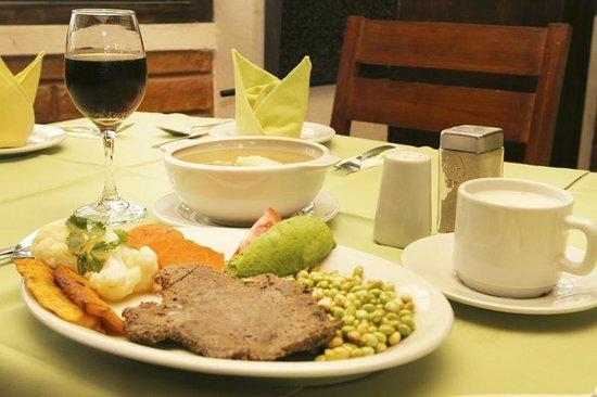 Restaurante, Hosteria Agustin Delgado, Ibarra, Ecuador