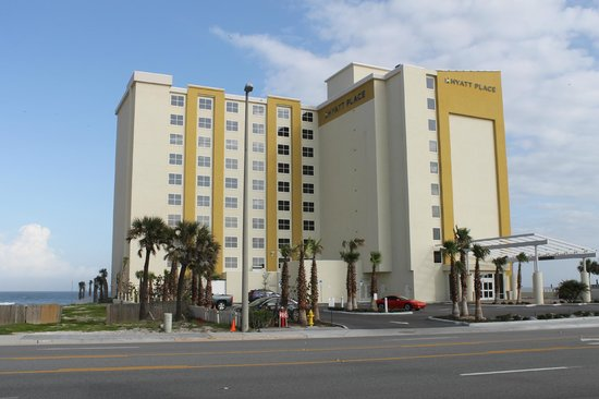 Hyatt Place Daytona Beach - Oceanfront: street view of the hotel