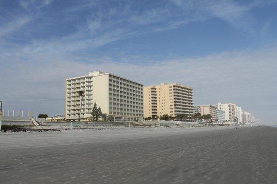 Hyatt Place Daytona Beach - Oceanfront: beach view of the hotel