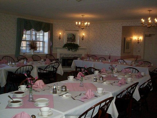 Saxon Inn: Breakfast room set up for private event