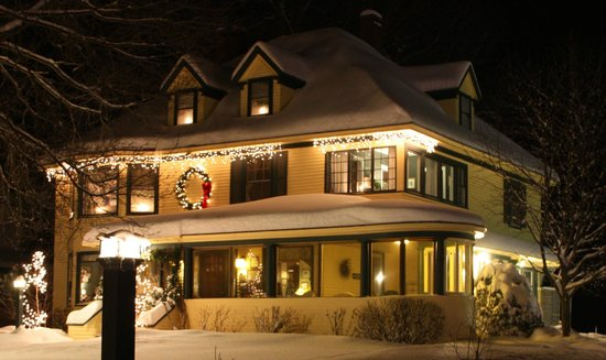 Oxford House Inn: Fresh snowfall