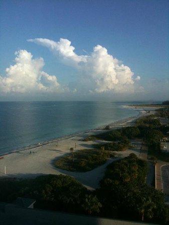 Lido Beach Resort : View looking north