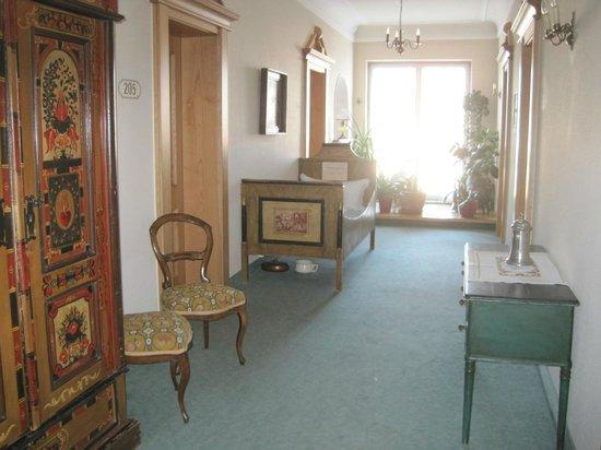 Hotel Hirsch: moveis antigos