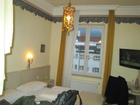 Hotel Hirsch: decoração alemã
