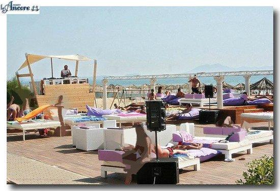 Marina di Varcaturo, Италия: Area ristorazione nell'area piscine