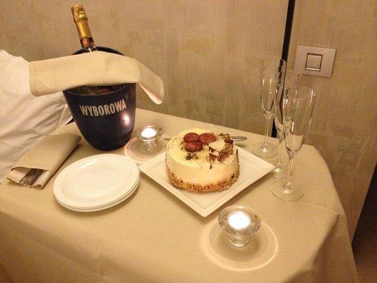 Ioana Hotel: Room service