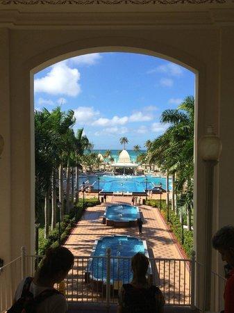 Hotel Riu Palace Aruba: vista ingreso