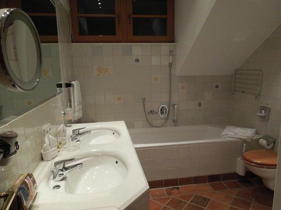 Hotel Bergschlössl: Bathroom