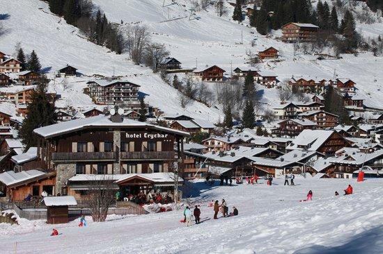 Hôtel Spa Crychar : Crychar a la neige