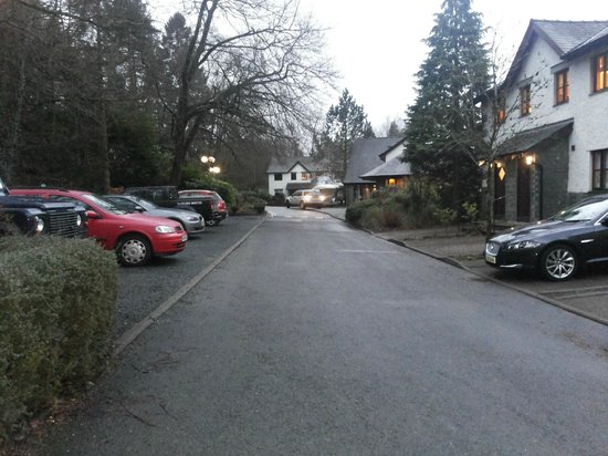 Windermere Marina Village: also this is the other side of the road