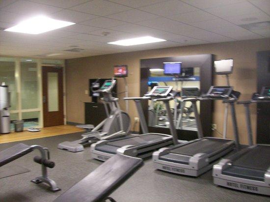 Hampton Inn & Suites Mahwah: Fitness Room