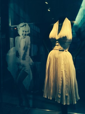 Virginia Museum of Fine Arts: Marilyn Monroe's famous white dress.