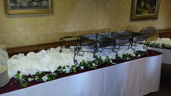 Manresa Castle: SCOTT Wedding buffet setup
