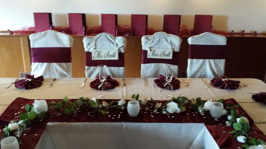 Manresa Castle: SCOTT Wedding bride and groom chairs