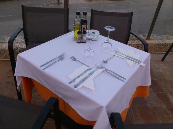 Hotel & Spa Ferrer Concord: Ужин на берегу моря