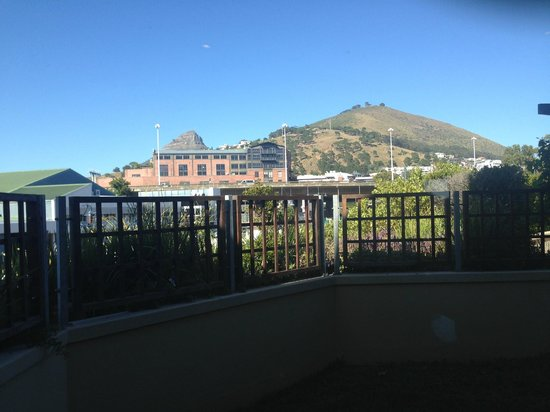 Waterfront Village: Beautiful View of Table Mountain!