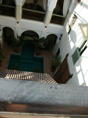palacio de las especias: patio central desde azotea