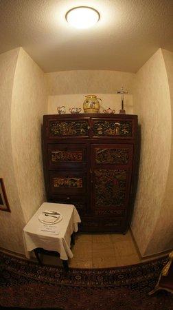 Hotel-Gasthof Klingentor: Коридор