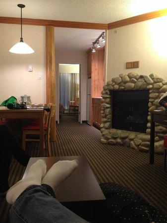 Marmot Lodge: Living room view