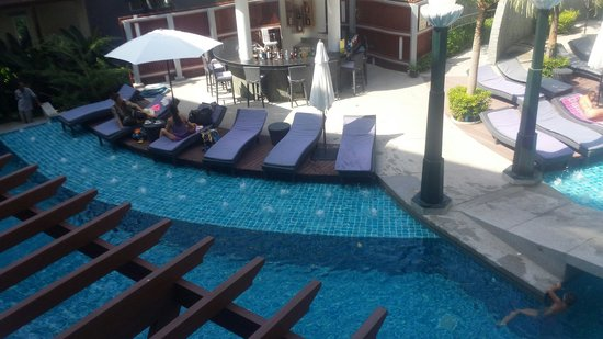 Ramaburin Resort : Pool view