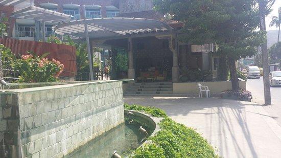 Ramaburin Resort : View from road