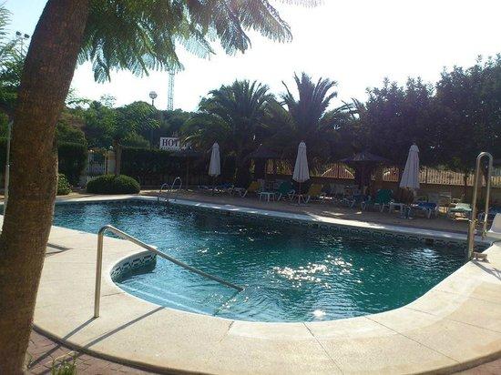 La Cueva Park: pool