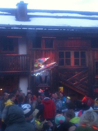 Mooserwirt - wahrscheinlich die schlechteste Skihutte am Arlberg: Ski faster