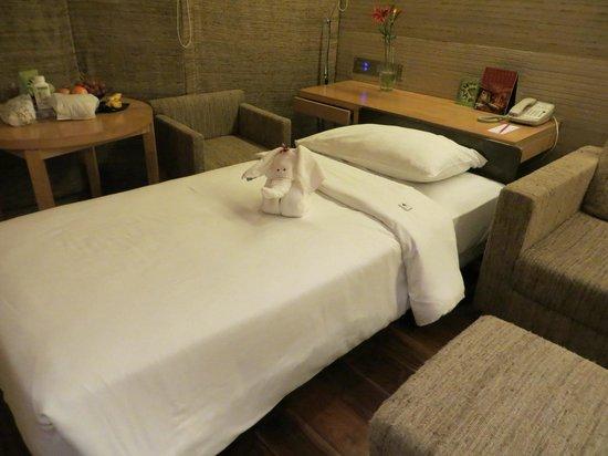 Vivanta by Taj - President, Mumbai: Extra bed in the suite