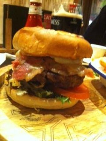 Earls Court Tavern: Big Ben Burger