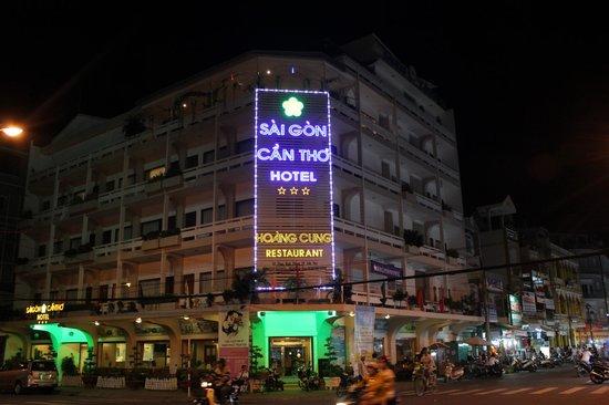 Saigon Cantho Hotel: Vista nocturna