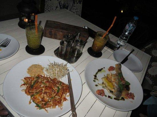 better than sex: Phad Thai and Bass fish, looks good, taste not so good...