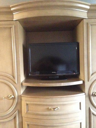 BEST WESTERN Heritage Inn - Chico : TV Armoire