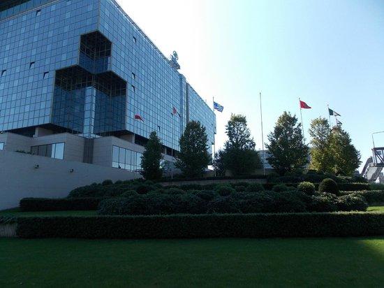 Hilton Prague: Vista lateral do hotel