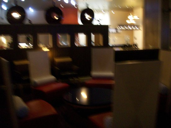 Embassy Suites by Hilton Raleigh - Durham Airport/Brier Creek: Seating off the Lobby Area
