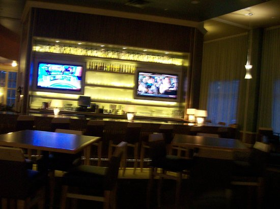 Embassy Suites by Hilton Raleigh - Durham Airport/Brier Creek: Lounge Area off of the Lobby