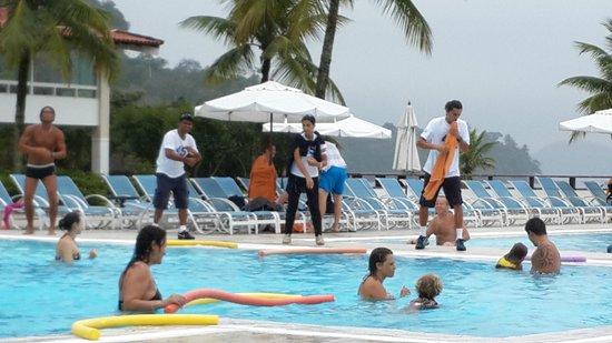 Club Med Rio Das Pedras: Pileta, momento recreación