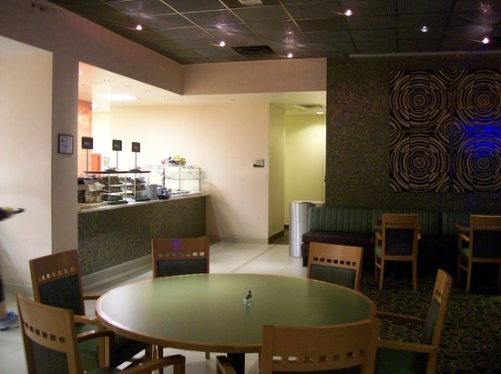 Embassy Suites by Hilton Raleigh - Durham Airport/Brier Creek: Breakfast Area