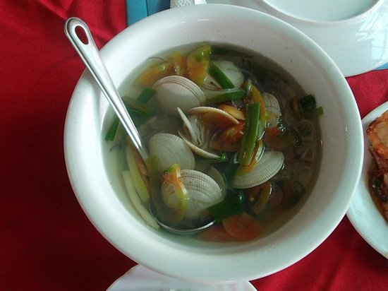 Rosewil's BBQ Seafood Haus: clam soup