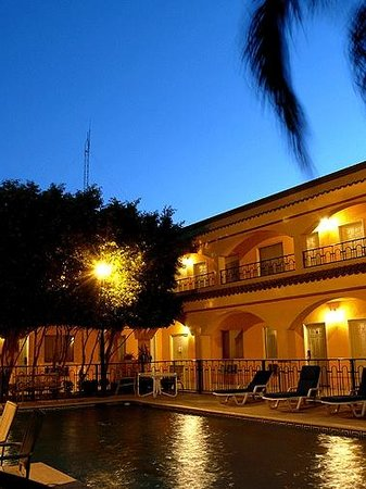 Comfort Inn Monclova: Pool Area