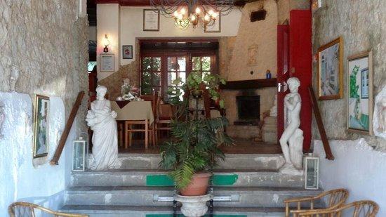 Kiniras Hotel : Speiseraum