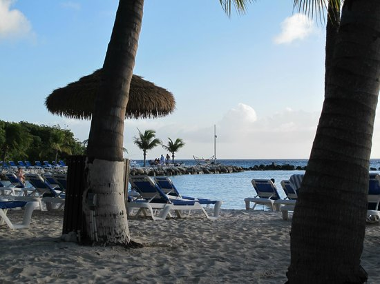 Renaissance Aruba Resort & Casino: Renaissance Island beach area