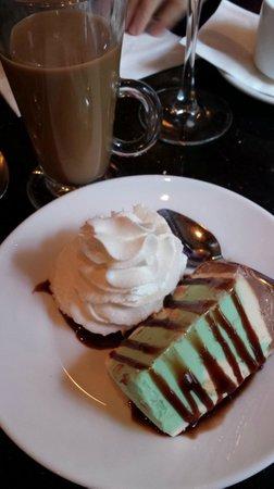 Sambuca's Cafe & Desserts : Spumoni