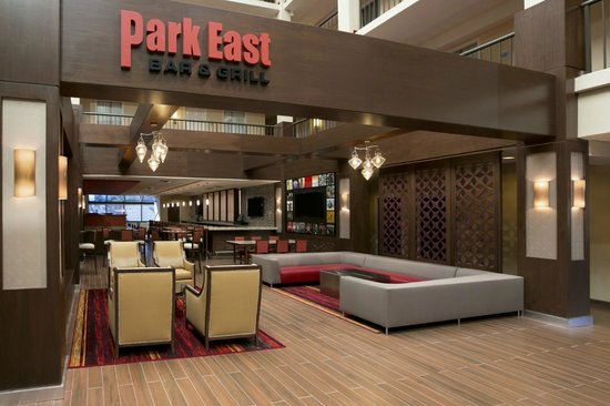 Embassy Suites by Hilton Cleveland - Beachwood : Bar